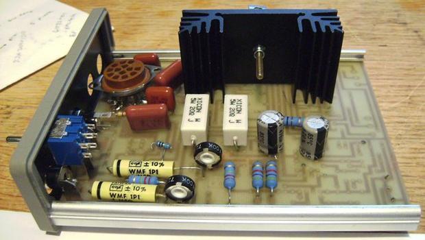 hybrid tube headphone amplifier