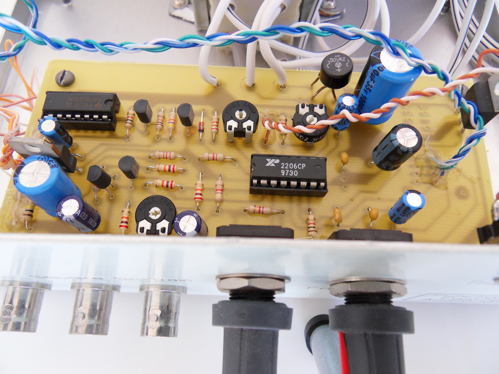 1hz To 1mhz Xr2206 Function Generator Voltmeter Ac Wiring Circuits