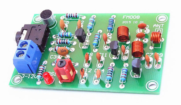 76MHz - 110MHz FM Transmitter with Booster
